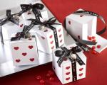 lucky in love dice favor boxes with imprinted ribbon and heart charm